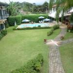 Jardins e piscina